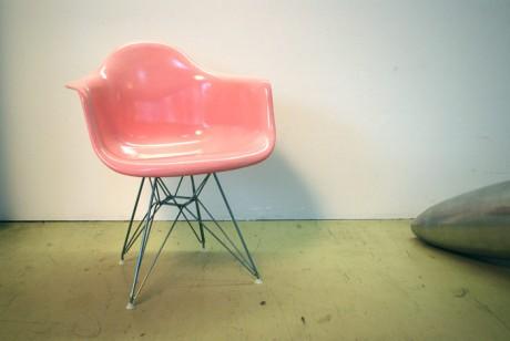 01eames-modernica-bubblegum-Pink