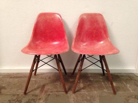 2-stk-eames-herman-miller-side-chairs